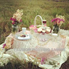 romantic picnic from the Fashion Fighting Famine lookbook Mismatched Furniture, Romantic Table Setting, Afternoon Delight, Romantic Picnics, Romantic Things, Picnic Time, Beauty Bar, Outdoor Dining, Event Decor