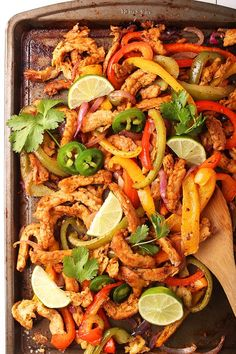 Dinner made easy with this simple sheet pan vegan fajitas. It's a colorful mix of red and green bell peppers, red onions, and perfectly seasoned soy curls. Vegan Mexican Recipes, Vegan Keto Recipes, Beef Recipes, Whole Food Recipes, Dinner Recipes, Healthy Recipes, Tostadas, Tacos, Vegan Fajitas