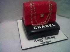 Chanel Purse cake. #chanel #cake #fondant