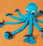 yarn octopus, who didn't make one of these?oh and a thousand pom poms. and then i discovered crochet. Yarn Projects, Sewing Projects, Sewing Crafts, Sewing Ideas, Octopus Crafts, Octopus Octopus, Diy Yarn Octopus, Yarn Dolls, Dolls Dolls