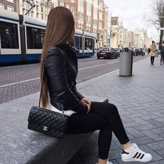 Find images and videos about fashion and outfit on We Heart It - the app to get lost in what you love. Latest Fashion For Girls, Womens Fashion, Fashion Trends, Modern Fashion, Trendy Fashion, Looks Camisa Jeans, Fall Outfits, Casual Outfits, Casual Wear