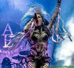 Alissa White Gluz. Metal bae.