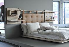Lekne reoler på LADY-malte vegger hos gründerne i Dare to Design! Furniture, Room, Shelves, My Room, Wall, Home Decor, Wall Painting, Bedroom, Couch