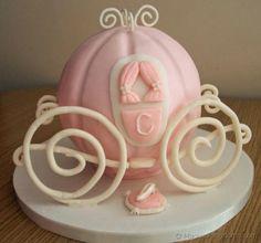 princess carriage see website http://www.magicalkingdoms.com/blog/2011/08/08/how-to-make-a-cinderella-coach-birthday-cake/