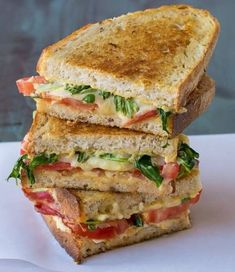 Gourmet BLT grilled cheese recipe with thick bacon, arugula, juicy tomatoes, and cheddar. The best grilled cheese you've ever eaten! Grill Sandwich, Sandwiches For Lunch, Soup And Sandwich, Best Grilled Cheese, Grilled Cheese Recipes, Grilled Cheeses, Best Sandwich Recipes, Sandwich Ideas, Grilled Sandwich Recipe
