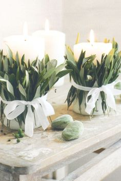 Wedding Reception Decoration Ideas The post DIY Rustic Bay Leaf CANDLE WRAPS for a Rustic Country French Wedding or Christmas Table appeared first on Dekoration. Wedding Table Centerpieces, Wedding Flower Arrangements, Flower Centerpieces, Wedding Bouquets, Wedding Flowers, Centerpiece Ideas, Table Wedding, Diy Flowers, Spring Flowers