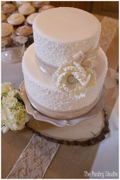 VIntage-Chic Wedding Cake, Cupcakes, and Dessert Bar by The Pastry Studio: Daytona Beach, Fl