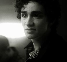 Robert Sheehan - click on it
