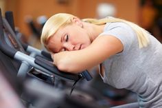 Extreme tiredness — this is what fatigue feels like. In this day and age, fatigue is a commonplace. So many people have it due to the loads of work- and home Ser Fitness, Fitness Lady, Fitness Tips, Fitness Motivation, Health Fitness, Fadiga Adrenal, Adrenal Health, Adrenal Fatigue, Extreme Tiredness