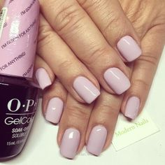 The advantage of the gel is that it allows you to enjoy your French manicure for a long time. There are four different ways to make a French manicure on gel nails. Opi Gel Nails, Opi Gel Polish, Gel Polish Colors, Manicure And Pedicure, Opi Gel Nail Colors, Opi Colors, Acrylic Nails, Spring Nail Colors, Spring Nails