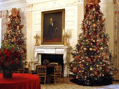 White House Christmas 2009 - White House Christmas Through the Years: A Presidential Photo Album on HGTV