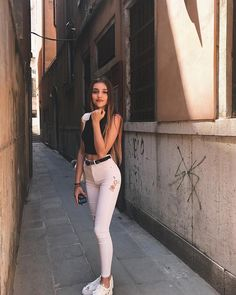 Likes, 79 Comments - Outfits Inspo Look Fashion, Girl Fashion, Fashion Outfits, Womens Fashion, Trendy Outfits, Summer Outfits, Cute Outfits, Girl Photo Poses, Girl Photos