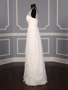 This silk chiffon Amsale wedding dress is so elegant and so beautiful in person! The gown is a sample in ready to wear condition and has its Amsale hangtags attached! The sleeveless bodice Wedding Dresses With Straps, Wedding Dress Chiffon, Wedding Dresses For Sale, Wedding Dress Sizes, Silk Chiffon, Discount Designer Wedding Dresses, Gowns Of Elegance, Dream Dress, Outdoor Weddings