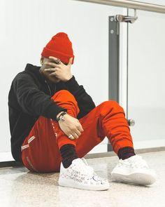 Look Masculino Vermelho Inverno com Calça Esportiva