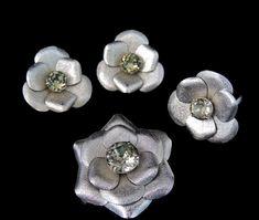 Glam Flower Rhinestone Jewelry Set by PremierAntiquesNY Vintage Costume Jewelry, Vintage Costumes, Vintage Jewelry, Antique Jewelry, Silver Rhinestone, Rhinestone Jewelry, Jewelry Sets, Women Jewelry, Black Diamond Jewelry