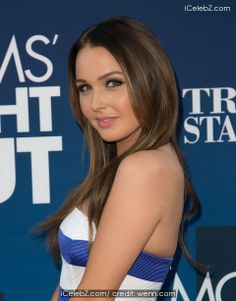 Camilla Luddington Premiere of 'Mom's Night Out' held at the TCL Chinese Theatre IMAX http://icelebz.com/events/premiere_of_mom_s_night_out_held_at_the_tcl_chinese_theatre_imax/photo11.html
