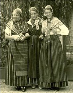 1938 Drei Blankeneser Trachten in Breslau #Hamburg #Blankenese