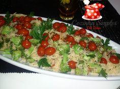 Ingredientes:     1 e 1/2 xícara de Risoni   1 maço de brócoli ninja pequeno   250 grs de tomatinho cereja   3 colheres de azeite ext...