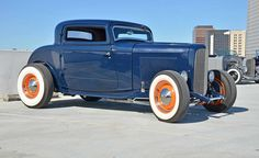 '32 Ford Hot Rod. I Like The Blue Color.