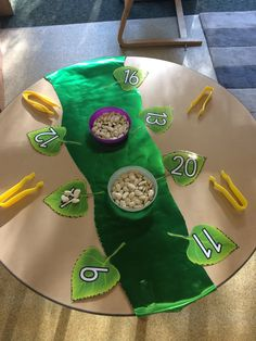 Jack and the beanstalk fine motor, adding the amount of beans onto the leaf Fairy Tale Activities, Nursery Activities, Rhyming Activities, Summer Activities, Traditional Tales, Traditional Stories, Maths Eyfs, Eyfs Classroom, Numeracy