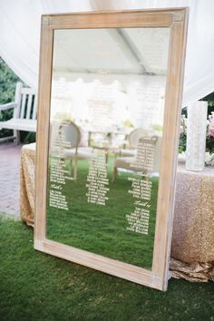 Mirror table sign: http://www.stylemepretty.com/little-black-book-blog/2015/02/27/blush-gold-rosemary-beach-wedding/ | Photography: Leslie Hollingsworth - http://www.leslie-hollingsworth.com/