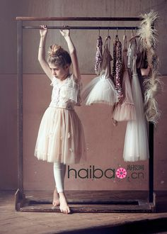 little girl flower dress (1), via Flickr. Flower Dress #2dayslook #ramirez701 #FlowerDress www.2dayslook.com