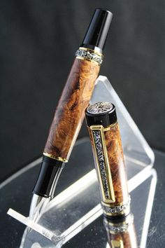 One of a Kind – Honduras Rosewood Burl Pen