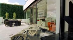 Luxe Penthouse video in cinematic stijl. Onze stijl: www.mp4real.com
