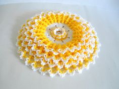 Handmade Crochet Dishcloths Washcloths, gift, mothers day, yellow and white, unique Romantic Home Decor, Cute Home Decor, Potpourri, Mother Gifts, Mothers, Unique Gifts, Best Gifts, Handwashing Clothes, Crochet Dishcloths