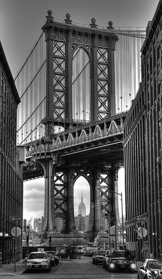Black and white photograph of Manhattan bridge and Empire state building in New York gift ideas home decor photography Black And White Picture Wall, Black And White City, Photo Black, Black And White Pictures, Black And White Building, White Art, Gray Aesthetic, Black Aesthetic Wallpaper, Black And White Aesthetic