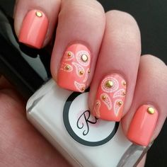 Superb creation by @aimer.e on instagram, she utilized MM48 Nail Stamping Plate from Messy Mansion.