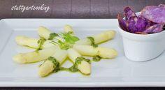 stuttgartcooking: Weißer Spargel an Bärlauch-Pesto mit Spargel-Sud und Chips von der Trüffel-Kartoffel