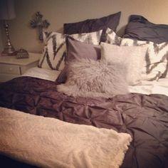 Cozy bedroom, duvet cover, chevron home is where the heart i Fall Bedroom, Cozy Bedroom, Bedroom Apartment, Dream Bedroom, Apartment Living, Bedroom Decor, Bedroom Ideas, My New Room, Beautiful Bedrooms