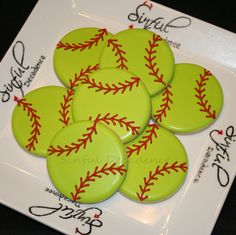 Softball / Baseball Cookies Made SUPER Easy (Video Tutorial) – Sinful Decadence Softball Cookies, Softball Cupcakes, Softball Treats, Softball Gifts, Softball Stuff, Softball Mom, Softball Quotes, Cheerleading Gifts, Basketball Gifts
