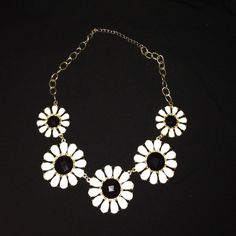 Necklace Black and white statement necklace in great condition! Accessories
