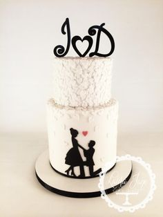 Some Cute Engagement Cakes / Engagement Cakes ideas for the special occasion . Beautiful Cakes, Amazing Cakes, Silhouette Cake, Online Cake Delivery, Engagement Cakes, Engagement Ideas, Wedding Cake Designs, Cake Wedding, Wedding Ideas