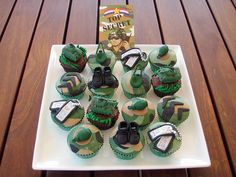military inspired cupcakes, camouflage, goggles, hats, boots, patches, rank, top secret, dog tags, tanks, dog tags