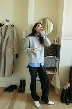 Inspiring Winter Office Outfits Ideas That Are Not Boring Source by Outfits korean Winter Office Outfit, Office Outfits, Casual Outfits, Grunge Outfits, Look Fashion, Daily Fashion, Korean Fashion, Winter Fashion, Mode Outfits