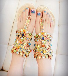 Fashion jewels leather sandals