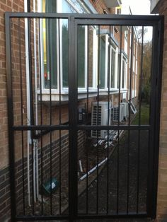 Our RSG3000 security gate fitted to the back yard of a residence in Walthamstow.