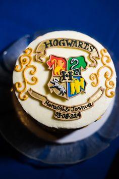 Hogwarts Wedding Cake at a Harry Potter wedding!