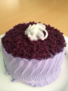 Ube Macapuno Cake Ube Recipes, Cupcake Recipes, Baking Recipes, Dessert Recipes, Baking Ideas, Best Filipino Recipes, Filipino Desserts, Filipino Food, Purple Food