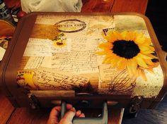 Hometalk :: Upcycled vintage suitcase