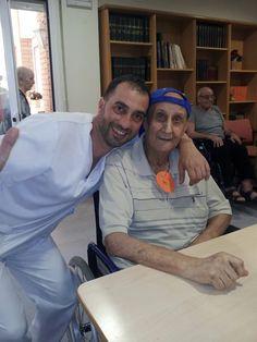 En la residencia de ancianos Les Oliveres de Girona, celebramos los cumpleaños de los residentes que hacían años durante el mes de Junio.