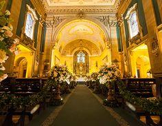 Cerimônia de casamento clássica - decoração em verde e branco - Basílica Nossa Senhora do Carmo ( Foto: Célia Thomé )
