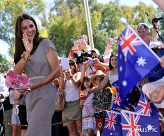 Day 13: TheDuchess of Cambridge visit Uluru | Flickr -The British Monarchy:  Cambridge Royal Tour-Day 13, Uluru/Ayers Rock, Australia, April 22, 2014
