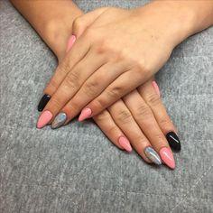 #nails #gelnails #pink #grey #holo