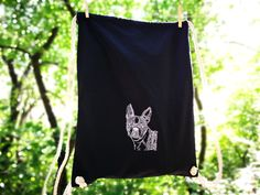 Lonely boston terrier is looking for his owner. Minimal Style, Minimal Fashion, Lonely, Boston Terrier, Organic Cotton, Cute Animals, Bags, Shirts, Pretty Animals