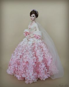 Agnes Love, Life and Lace Pink bride doll Barbie Bridal, Barbie Wedding Dress, Barbie Gowns, Barbie Dress, Barbie Clothes, Wedding Dresses, Fashion Royalty Dolls, Fashion Dolls, Barbie Stil