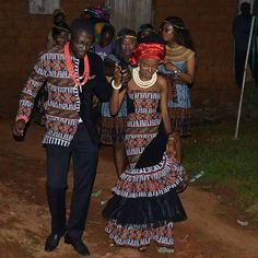 Cameroon traditional wedding, the couple wearing Cameroon attire, toghu African Traditional Wedding Dress, African Fashion Traditional, Traditional Wedding Attire, African Inspired Fashion, Africa Fashion, Traditional Outfits, African Lace Dresses, African Fashion Dresses, African Clothes
